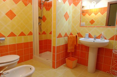 Rivestimenti Bagno Arancione ~ duylinh for